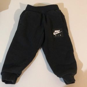 Nike black sweat pants size 2T